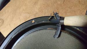 古いエッジをはがします。彫刻刀とかカッターとか適当につかいます。